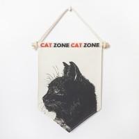 TRIANGLE FLAG - CAT ZONE 1