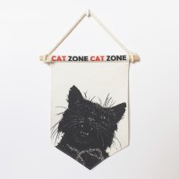 TRIANGLE FLAG - CAT ZONE 2